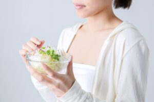 食生活を気にする女性